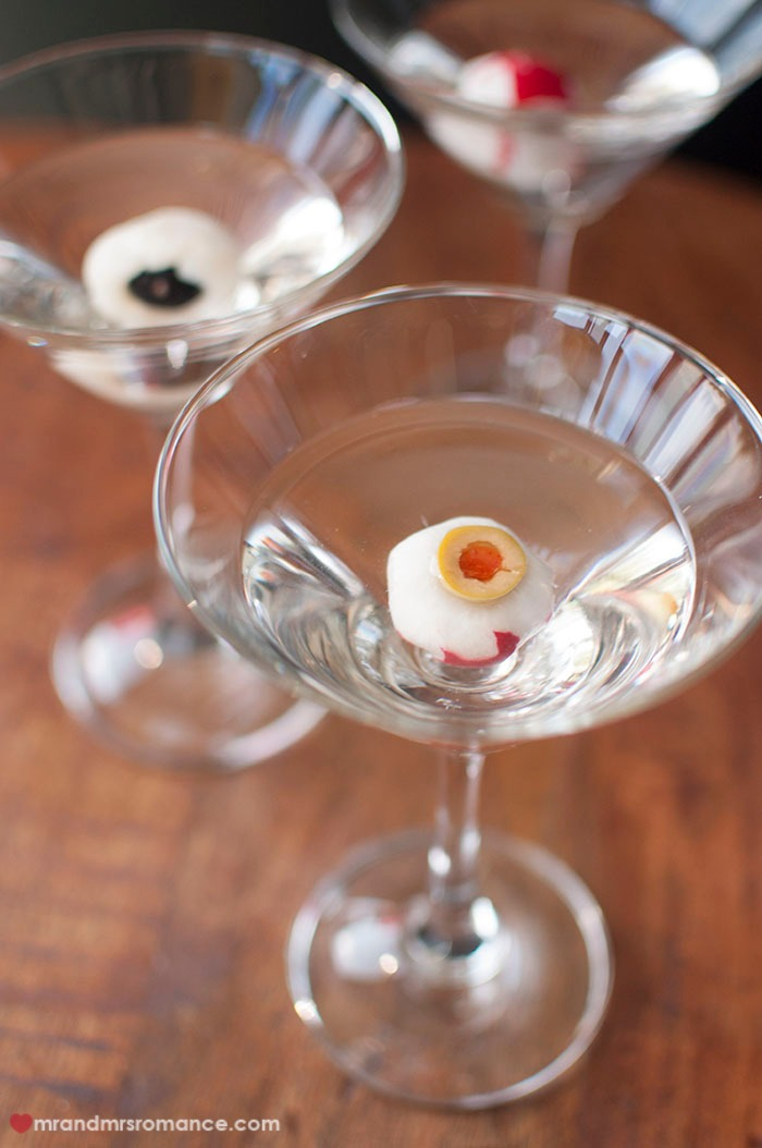· Among a younger generation of cocktail enthusiasts, the Fifty-Fifty dry martini, with equal parts gin and vermouth (and a dash of orange bitters), is gaining popularity. Of course, be sure to use a good-quality dry vermouth, such as Noilly Prat or Dolin.