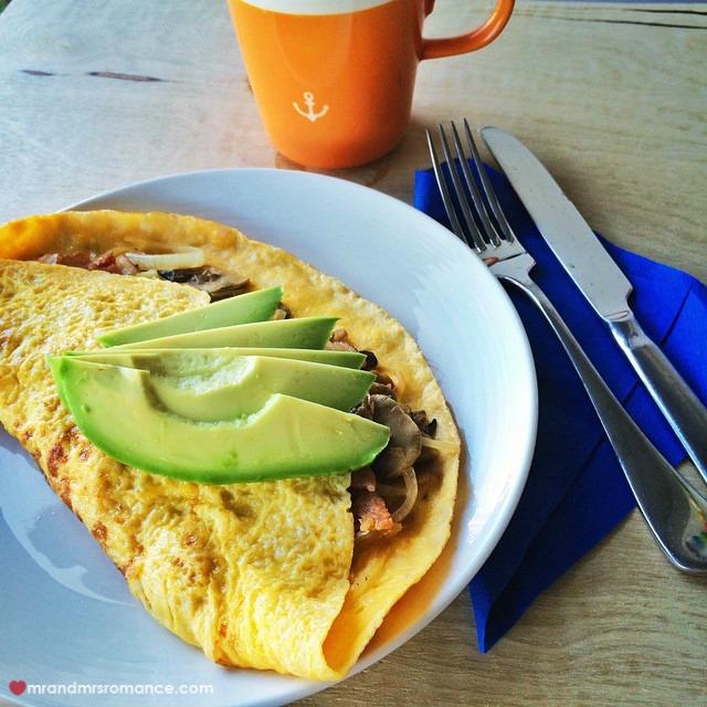Mr & Mrs Romance - Insta Diary - 8 Sunday brunch omlette