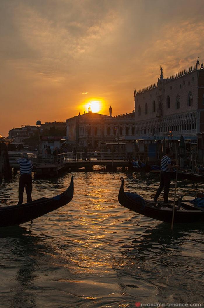 Mr-&-Mrs-Romance-3-Postcard-perfect-Venice-Italy
