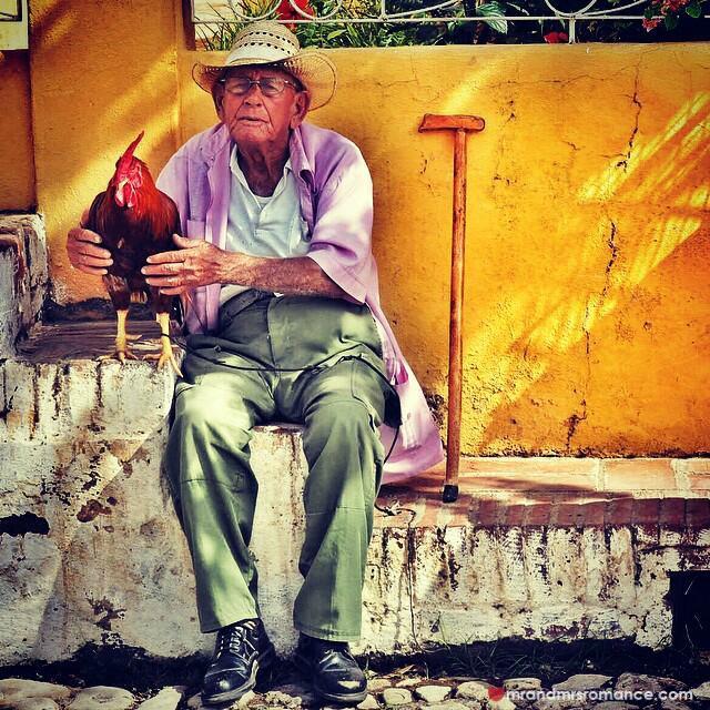 Mr & Mrs Romance - Insta Diary - 2a strange Cuban street scene