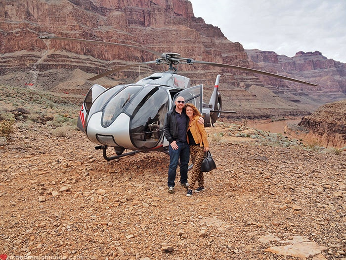 Grand Canyon heli tour - heli and them
