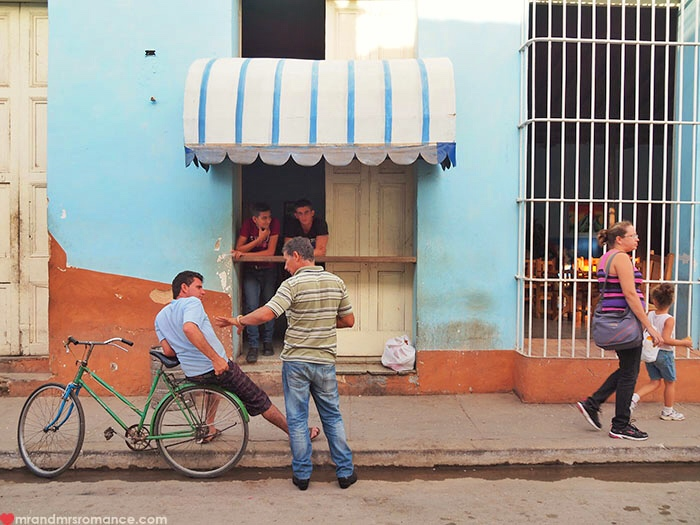 Mr-Mrs-Romance-Cuba-scams-street-view-1.jpg