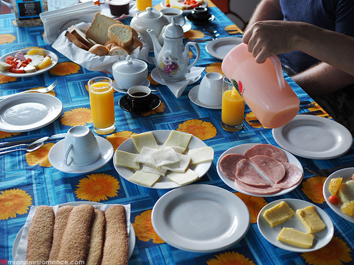 Mr & Mrs Romance - food in Cuba - casa full breakfast spread