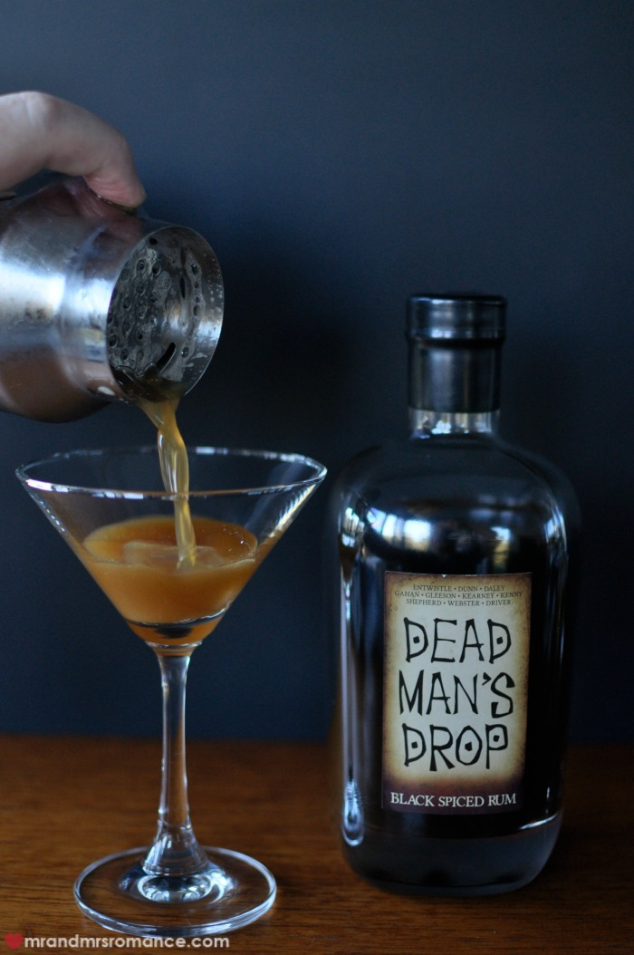 Mr & Mrs Romance - Dead Man's Drop - 10 pouring cocktail shaker