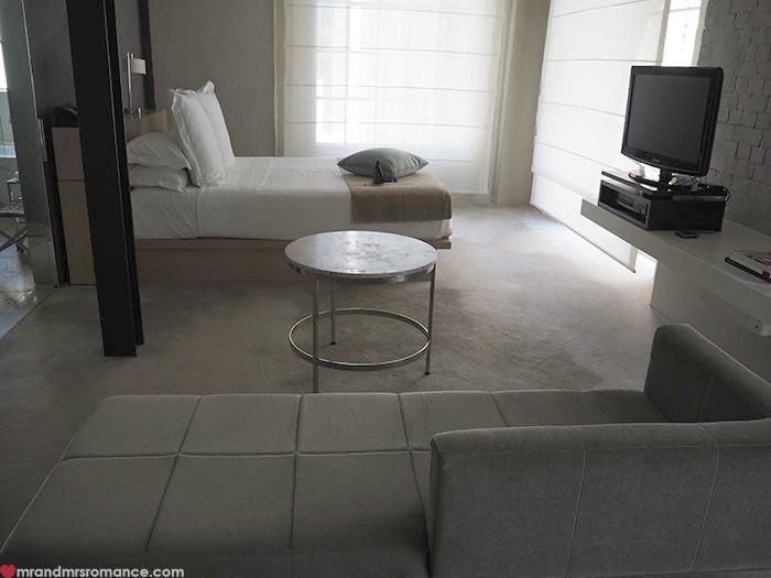 Mr-Mrs-Romance-Establishment-Hotel-2-room-1.jpg