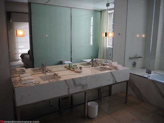 Mr-Mrs-Romance-Establishment-Hotel-4-bathroom-1.jpg