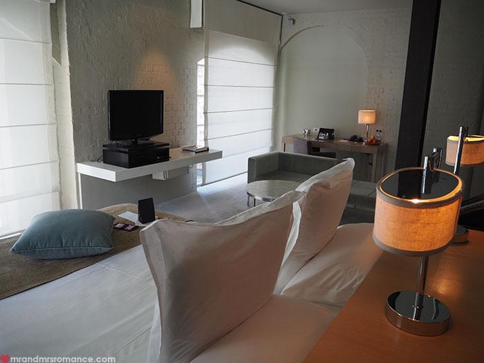 Mr-Mrs-Romance-Establishment-Hotel-7-room-3.jpg