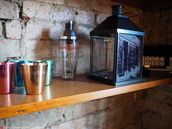 Mr-Mrs-Romance-Peekaboo-Bar-5-shelves.jpg