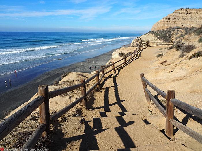 Mr-and-Mrs-Romance-Hiking-in-Torrey-Pines-San-Diego-9-walk-along-cliffs.jpg