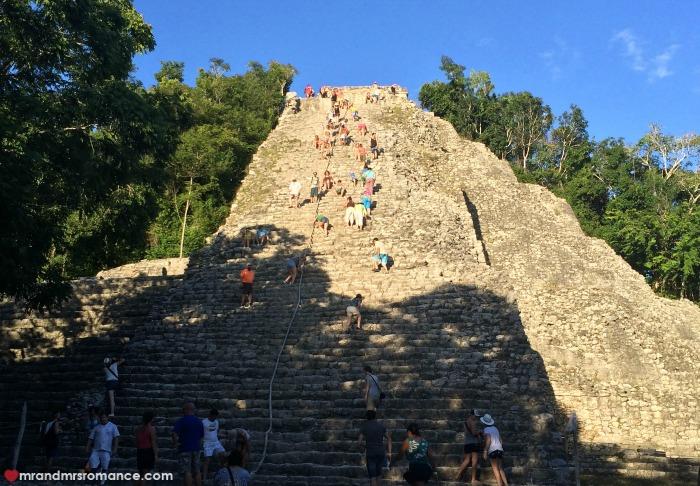 Mr & Mrs Romance - Tulum - 20 Coba pyramid 1