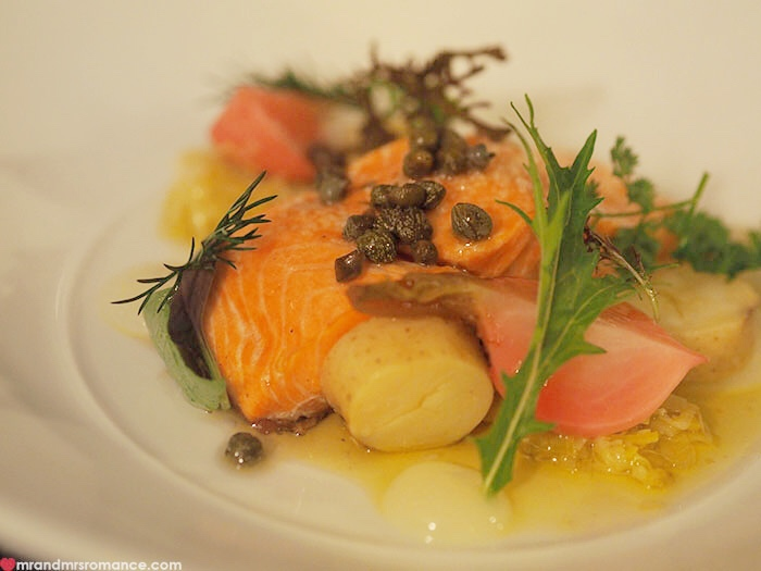 Mr & Mrs Romance - Restaurant Botanica - more smoked salmon