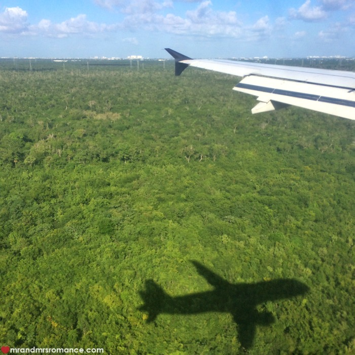 How to take photos from a plane window - Mr & Mrs Romance - Yucatan, Mexico