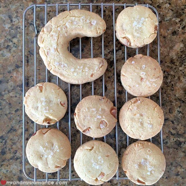 Mr & Mrs Romance - Insta Diary - 8 cookies!