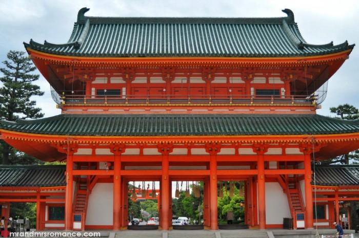 Mr & Mrs Romance - Kyoto temples - 9 Yasaka jinja
