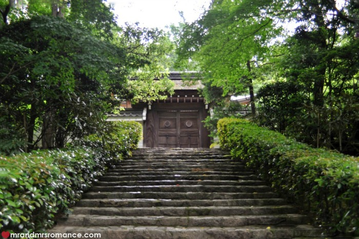 Mr & Mrs Romance - Kyoto temples - steps up