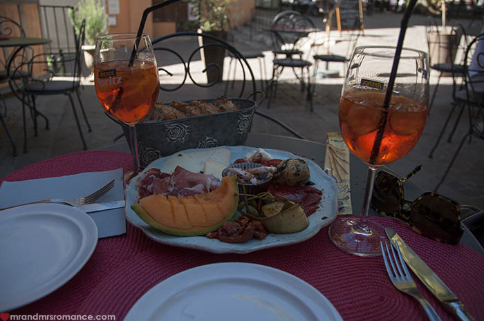 Mr and Mrs Romance - lunch in Provence