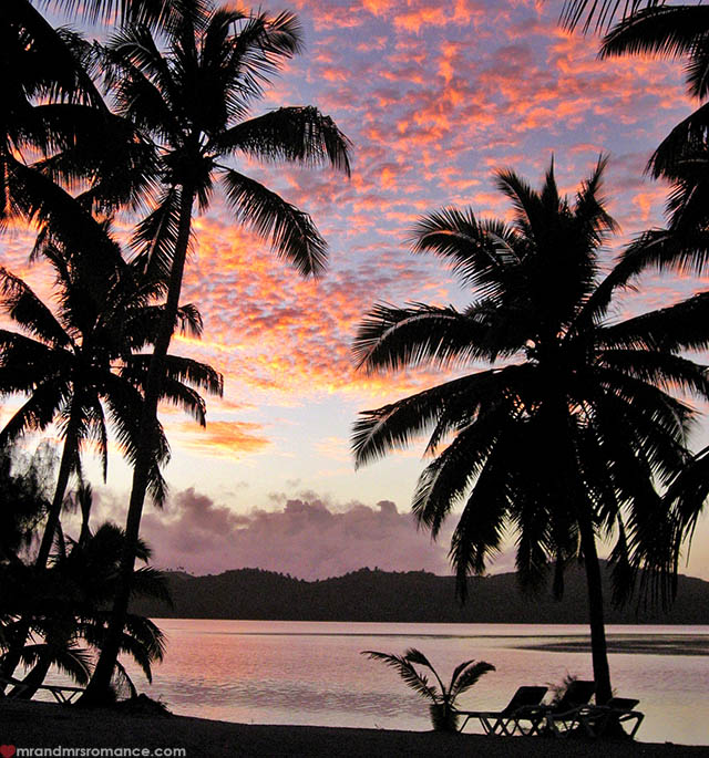 Mr & Mrs Romance - Insta Diary - 56 sunrise in the Cook Islands
