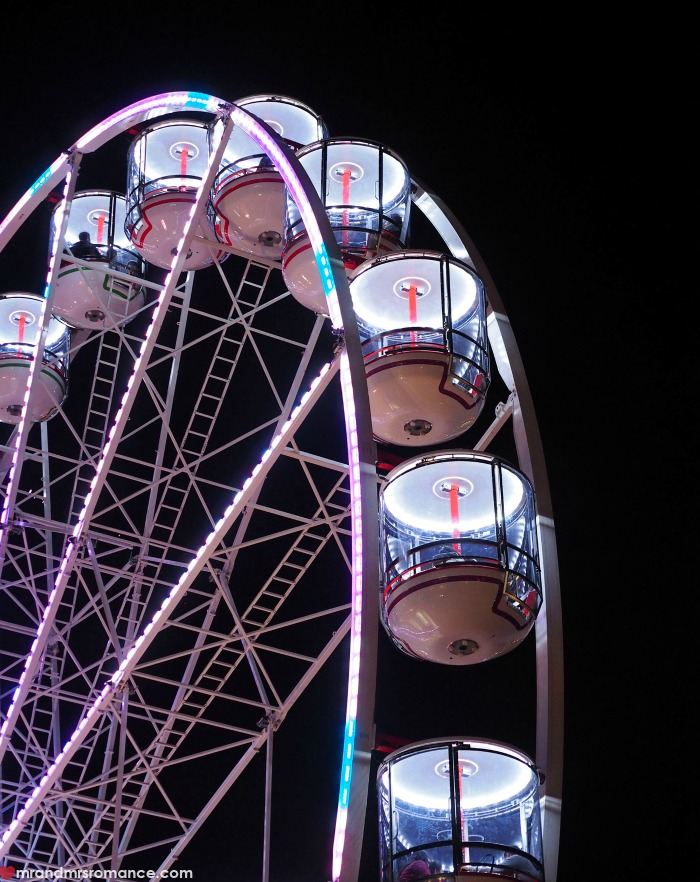 Vivid Sydney 2016 - our picks for this year's festival - the Ferris Wheel in Darling Harbour looked amazingly - just hope it's back for Vivid this year