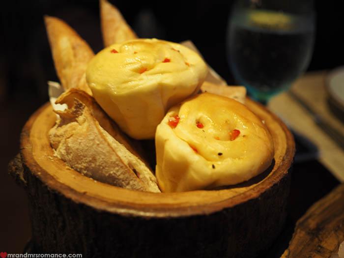 Mr & Mrs Romance - Uno Mas Bangkok - bread