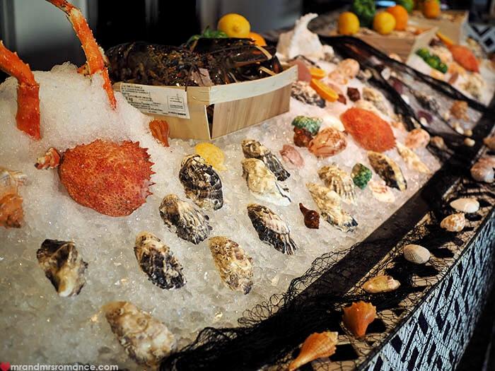 Mr & Mrs Romance - Uno Mas Bangkok - seafood on ice