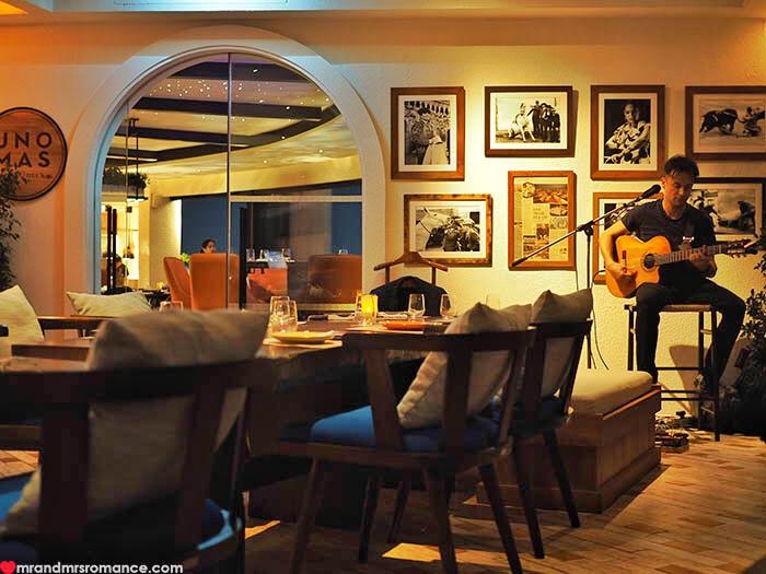 Mr & Mrs Romance - Uno Mas Bangkok - singer