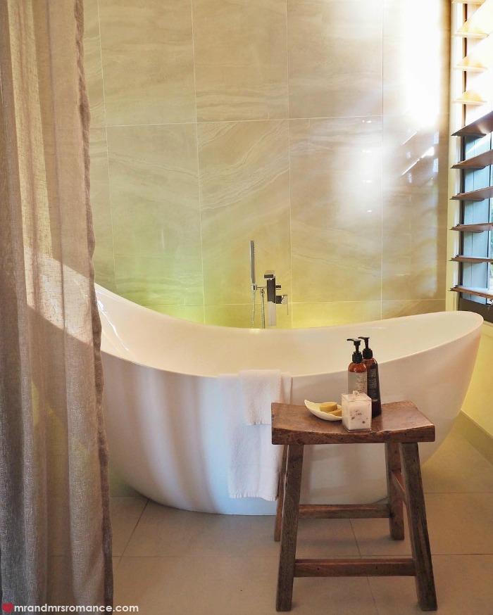 Mr & Mrs Romance - IG Edition - 8 bath at Gaia