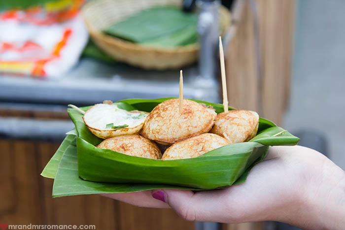 Mr and Mrs Romance - Romantic Honeymoon Itinerary for Thailand - Street food Khanom krok