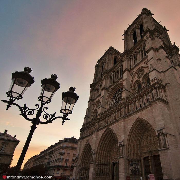 Mr & Mrs Romance - IG Edition - 2 Notre Dame at sunrise