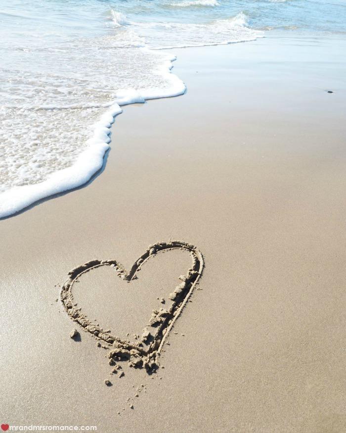 Mr & Mrs Romance - IG Edition - 4 heart on the beach