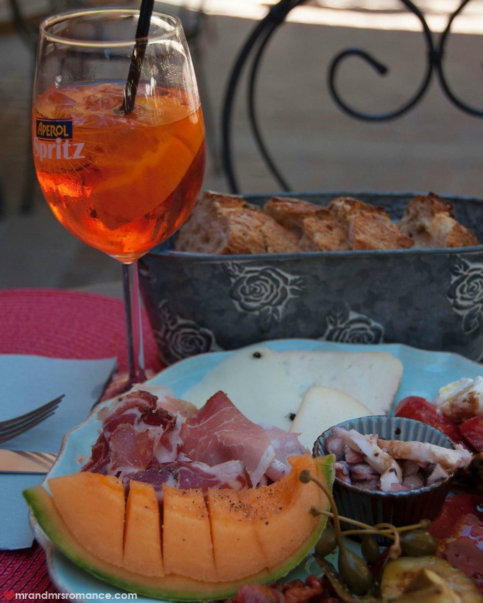 Mr & Mrs Romance - IG Edition - 51 Aperol spritz in Provence
