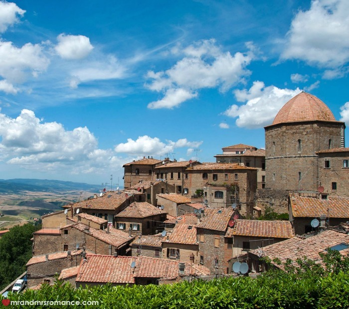 Mr & Mrs Romance - IG Edition - 7 Volterra rooftops