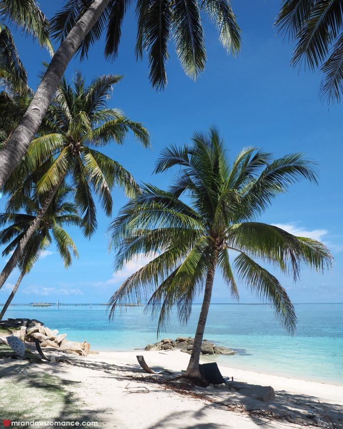 mr-mrs-romance-ig-edition-3-beach-at-sipadan-mabul-resort-mabul-island-sabah
