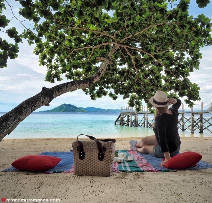 Mr & Mrs Romance - IG Edition Sabah - 10 Gaya Island private beach picnic