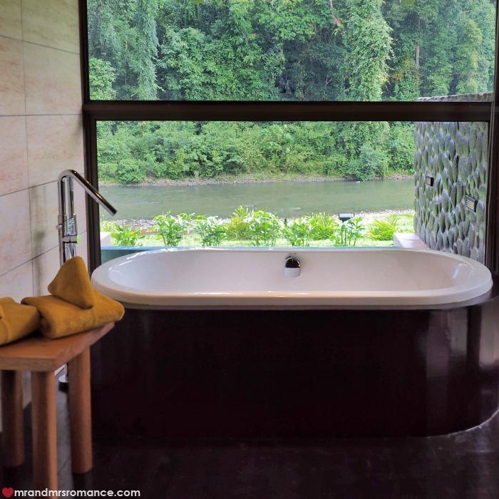 Mr & Mrs Romance - IG Edition Sabah - 20 bath tub Danum Valley