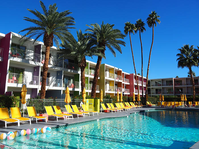 Mr and Mrs Romance - Where to stay in Palms Springs California - The Saguaro