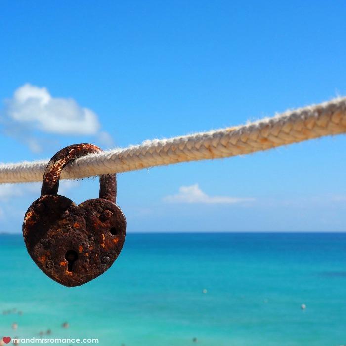 mr-mrs-romance-ig-edition-52-tulum-love-lock
