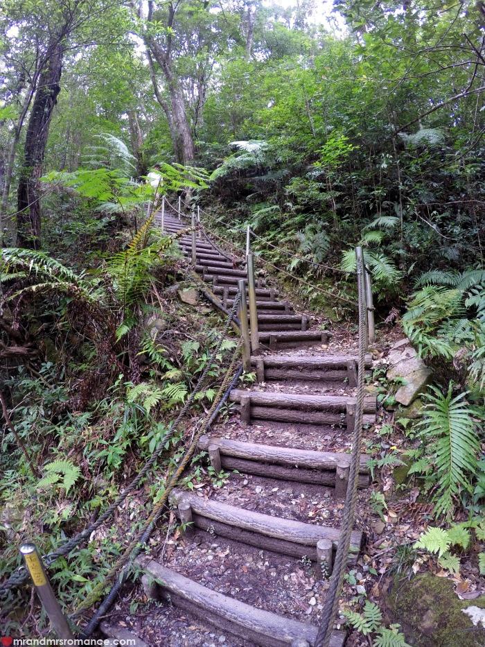 Mr & Mrs Romance - IG Edition - 9b Kunigami Park stairs