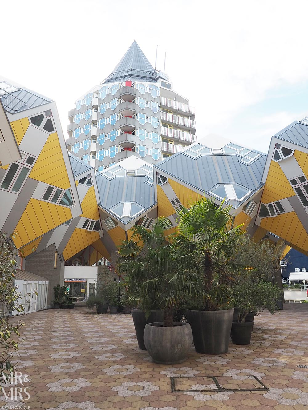 Visit Rotterdam travel guide - MMR - Cube Houses