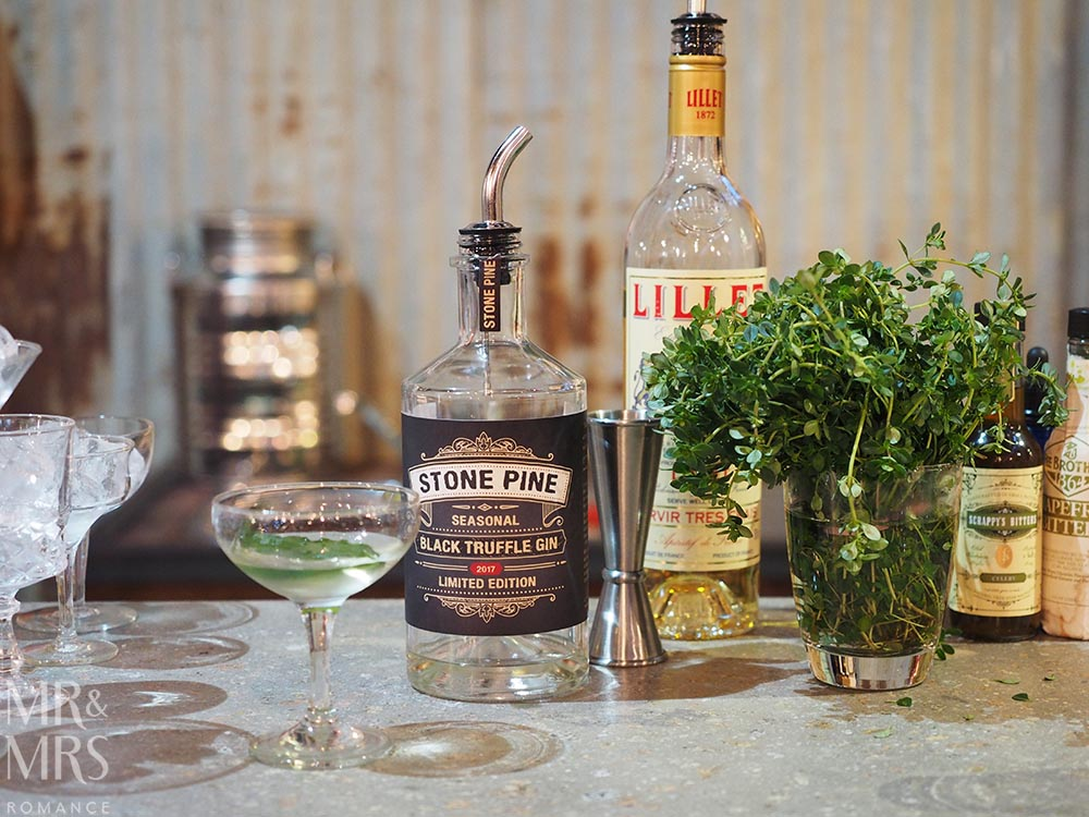 Australian whisky - Corowa Distillery NSW Black Truffle Gin Stone Pine - MMR