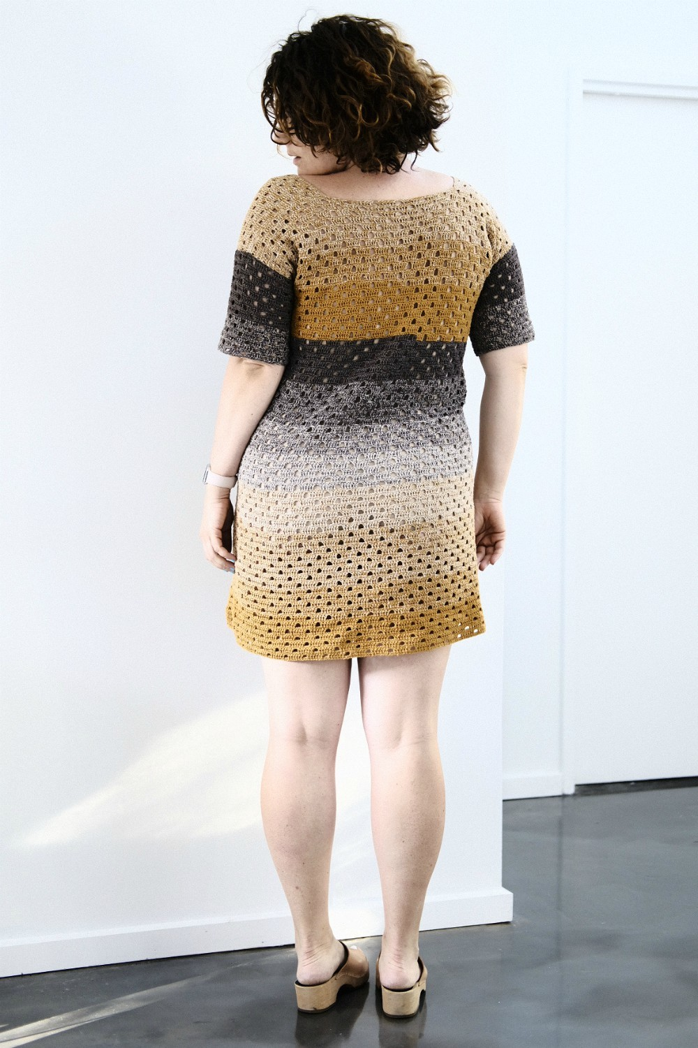 Travel hobby - Crochet Coach - MMR dress