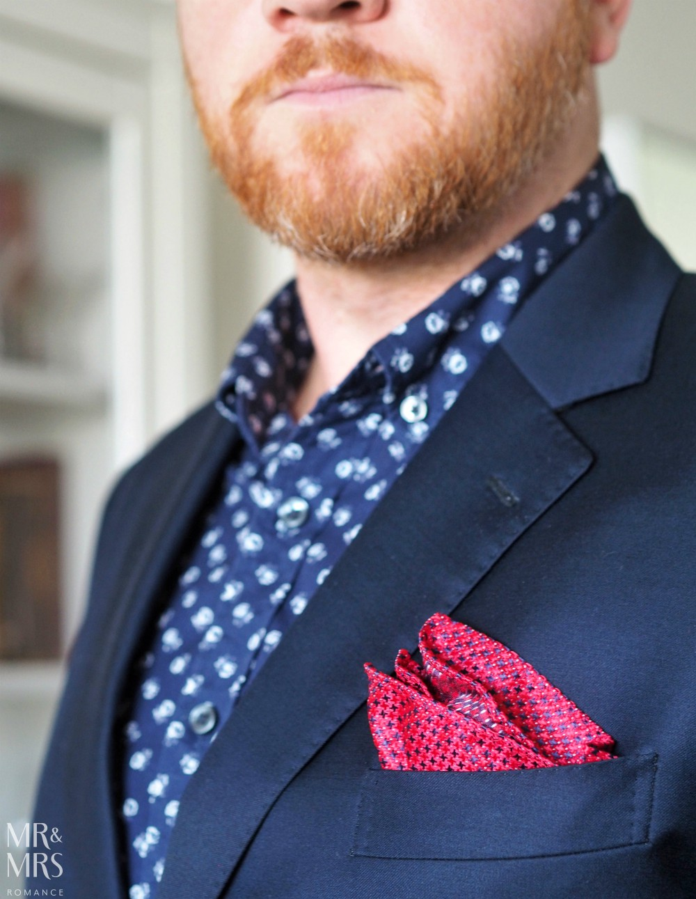 Valentine's Day gifts men's style - Buckle 1922 red pocket square - MRR