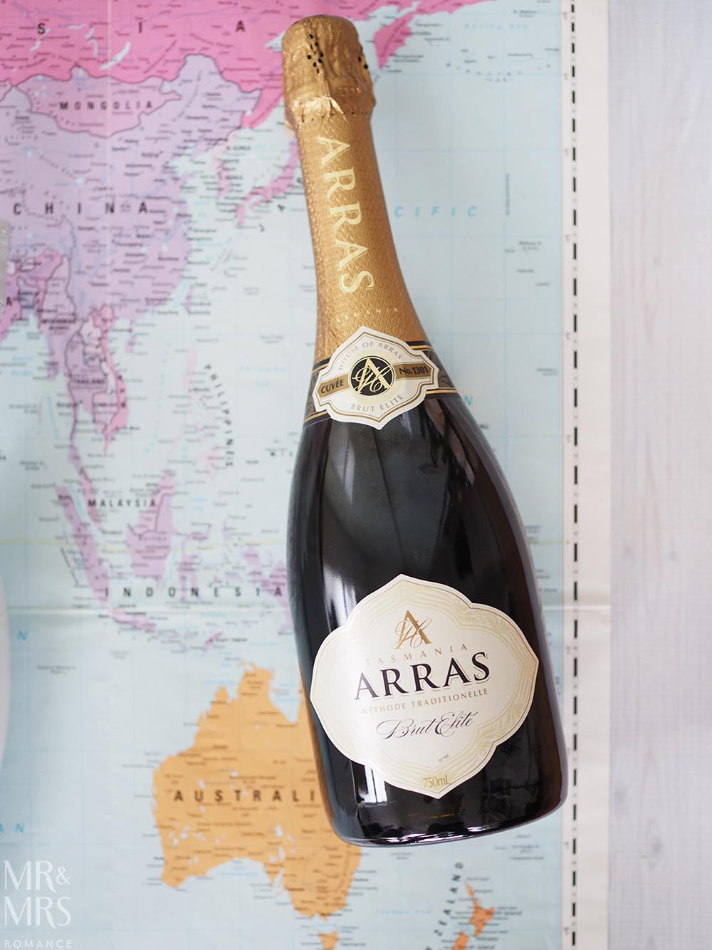International sparkling wine - House of Arras - Mr and Mrs Romance