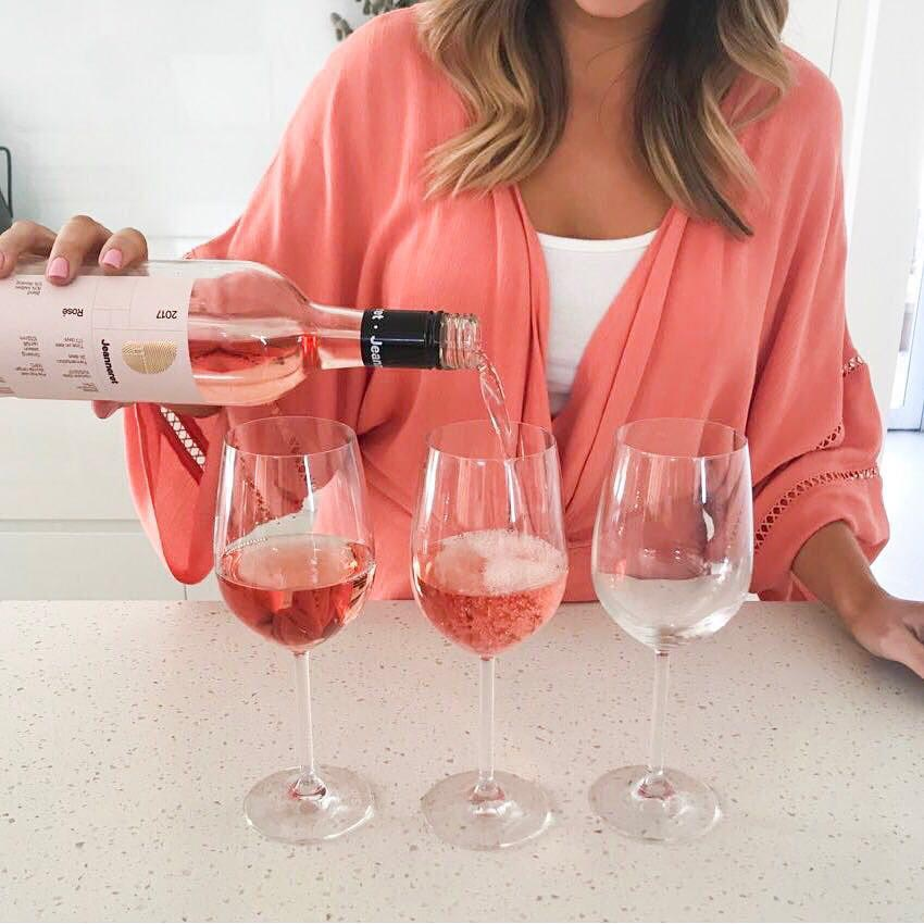 Wedding gift registry - Wine Please rosé - Mr and Mrs Romance