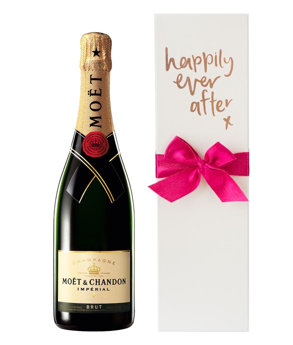 Wedding gift registry - Wine Please champagne - Mr and Mrs Romance