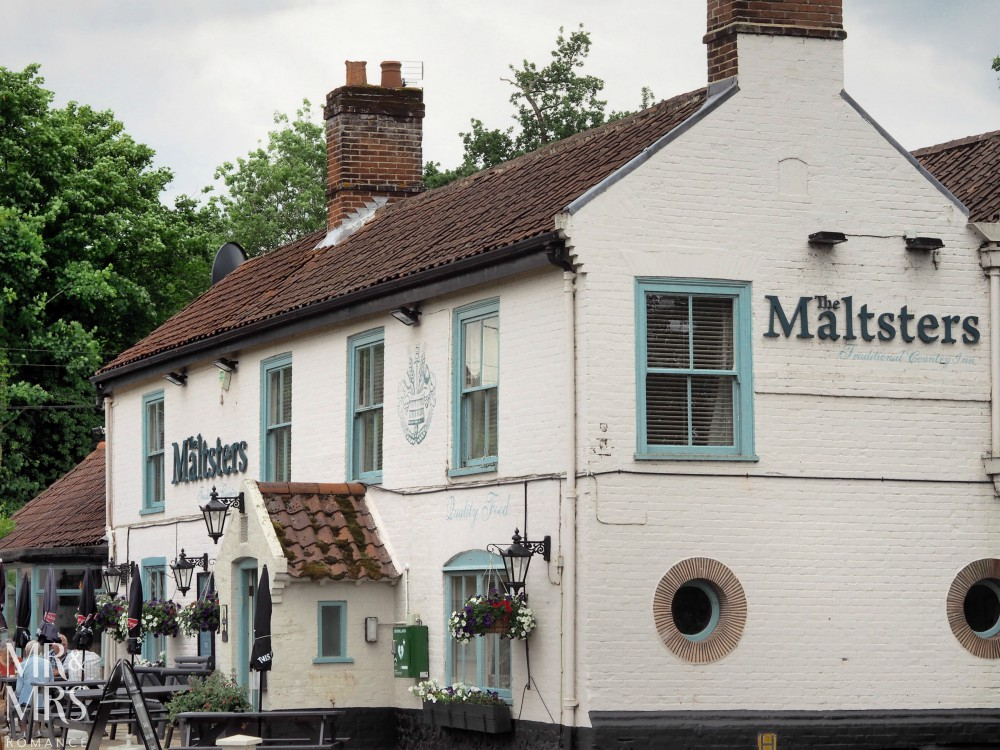 Boating holidays England - Norfolk Broads boat hire. Malsters pub