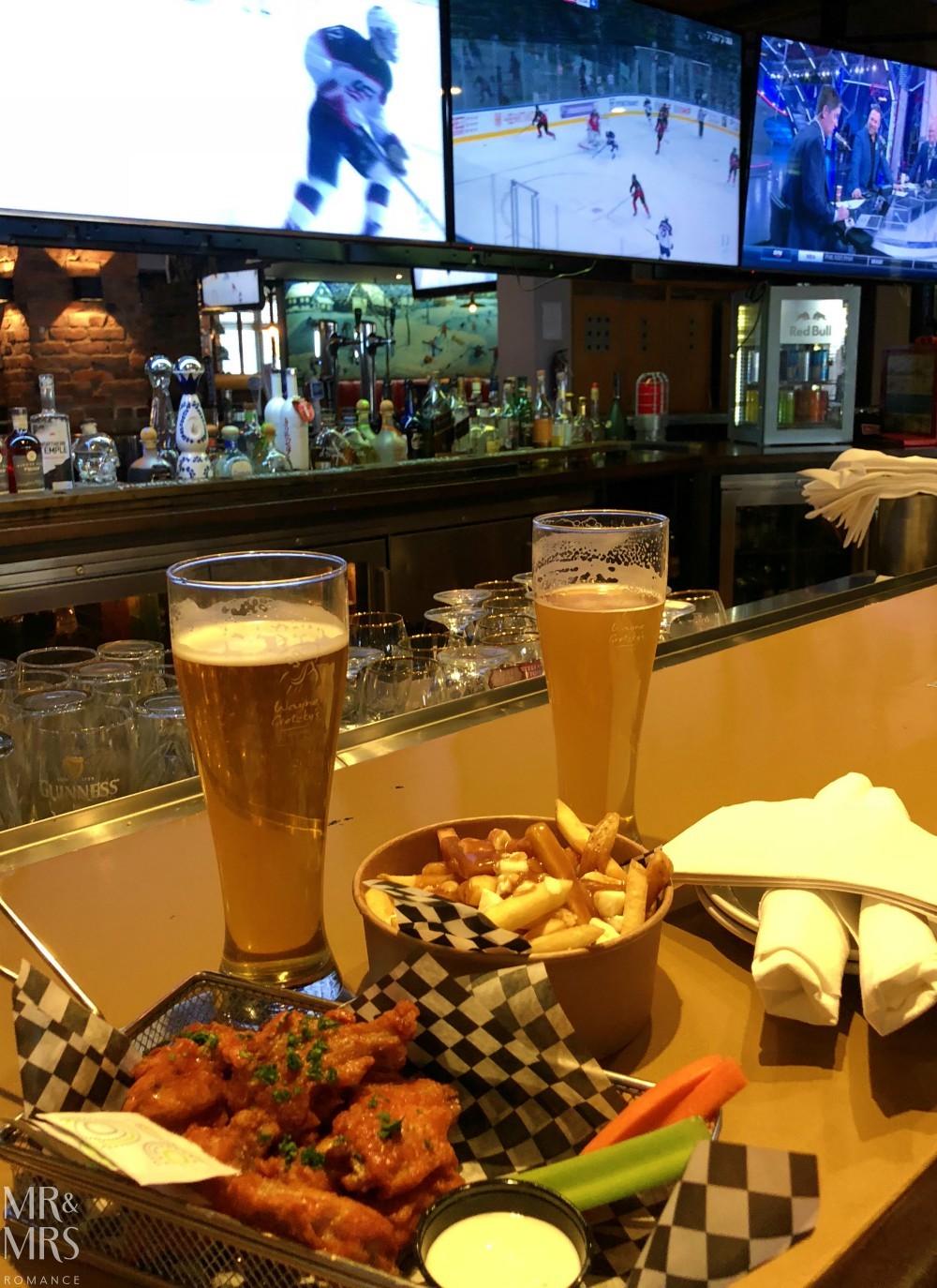 Where to eat in Toronto - Wayne Gretzky's - Mr & Mrs Romance