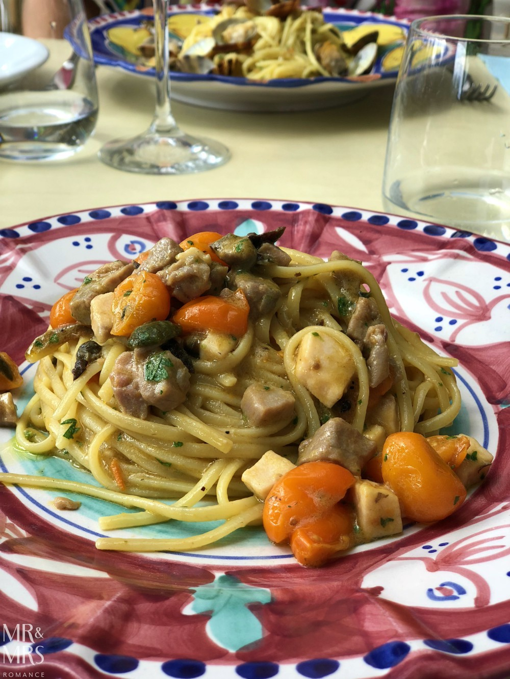 Food to eat in Naples - spaghetti alla pescatora