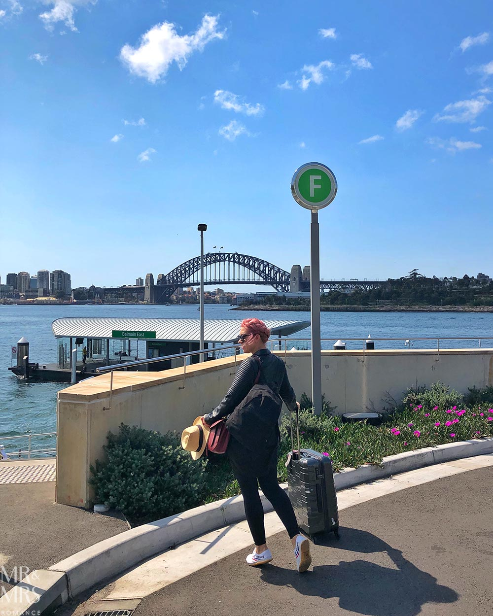 How to travel light, pack smart and stay stylish - Sydney Harbour Bridge to Sydney Airport #wortharrivingearlyfor