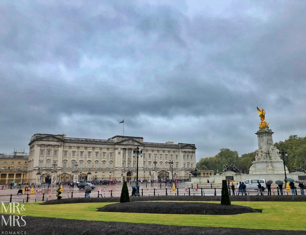 London in the rain - Buckingham Palace