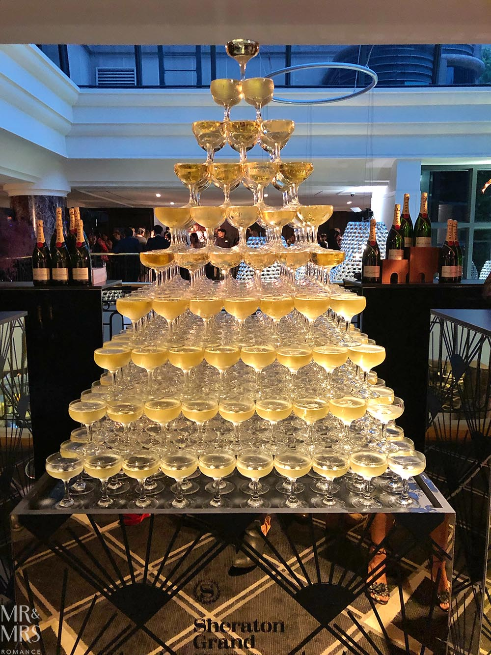 Sheraton Grand Sydney Hyde Park - champagne pyramid